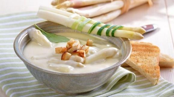 Суп-пюре з білої спаржі
